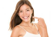 63% Попуст Ласерско белење на заби + ГРАТИС чистење на забен каменец и полирање